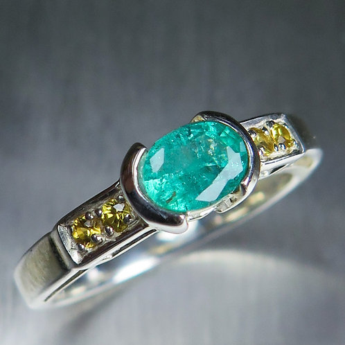 0.7ct Natural Colombian Emerald 925 Silver / Gold/ Platinum ring