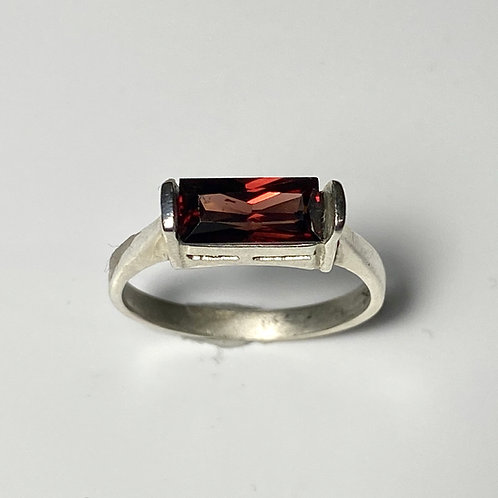 2cts Natural Dark Red Zircon 925 Silver / Gold/ Platinum solitaire ring