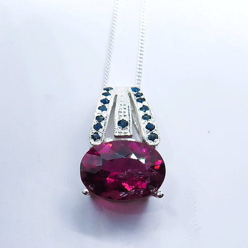 3.85cts Natural pink-red Rubellite tourmaline Silver / Gold / Platinum pendant