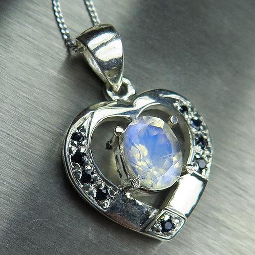 1.5ct Natural rainbow moonstone Silver / Gold / Platinum heart pendant
