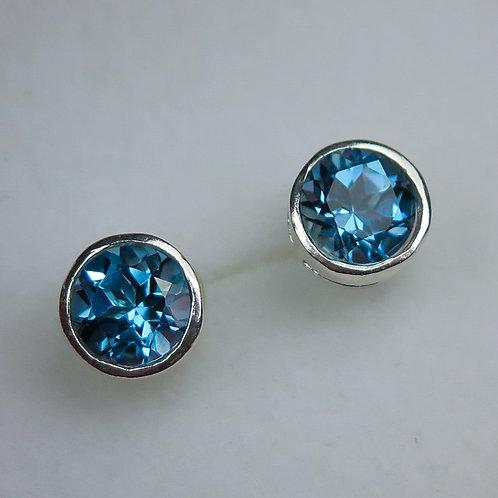 3.2ct Natural London Blue Topaz Silver /Gold / Platinum stud earrings