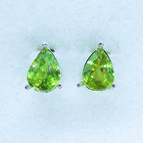 3.55ct Natural Titnite Sphene Silver/ Gold/Platinum stud earrings