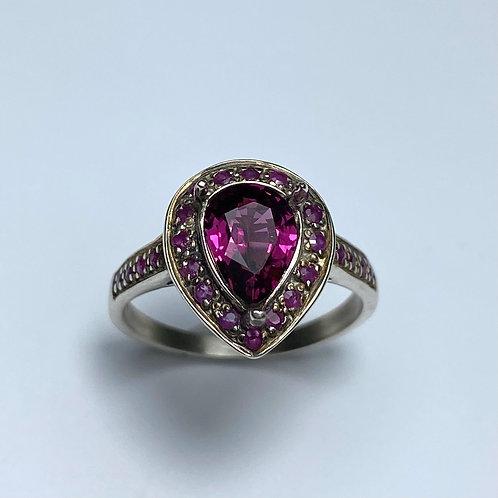 1.45cts Natural Rhodolite Garnet 925 Silver / Gold ring