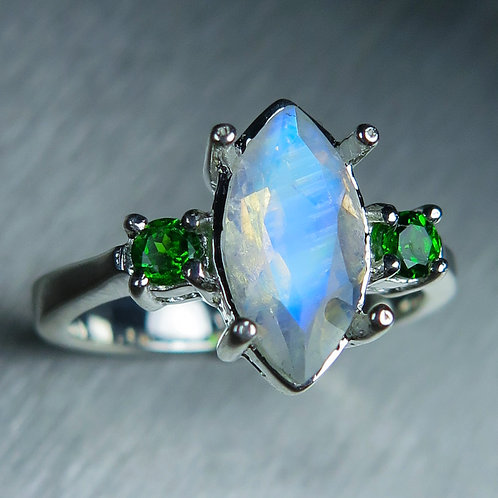 1.45cts Natural Rainbow Moonstone 925 Silver / Gold/ Platinum heart ring