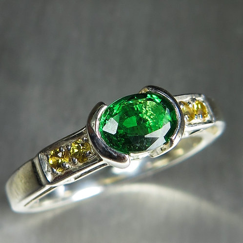 0.6ct Natural Tsavorite Garnet 925 Silver / Gold/ Platinum unisex ring