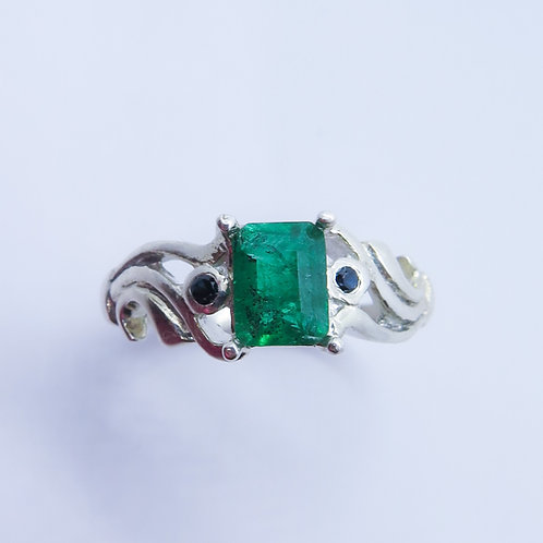 0.7ct Natural Emerald 925 Silver / Gold/ Platinum ring
