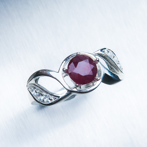 1.1cts Natural Ruby pigeon blood red Silver/ Gold / Platinum ring