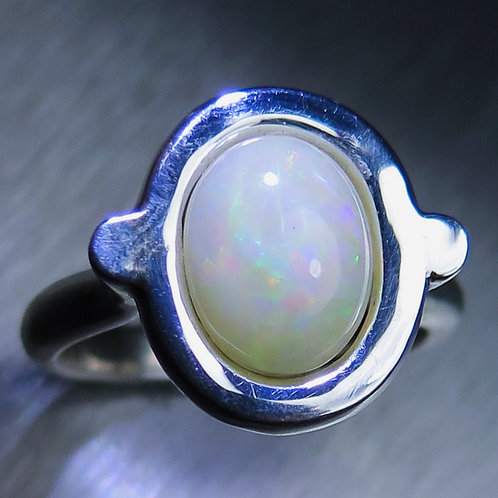 1.70ct Natural Welo Opal Silver / Gold / Platinum ring