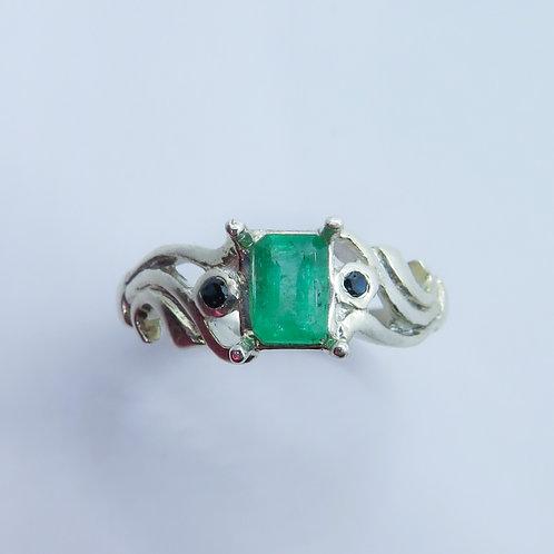0.6ct Natural Emerald 925 Silver / Gold/ Platinum ring