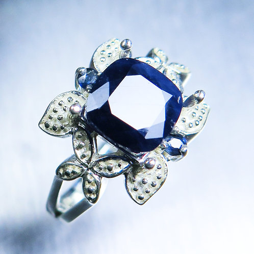 3.4ct Natural solid dark blue sapphire Silver/ Gold / Platinum ring