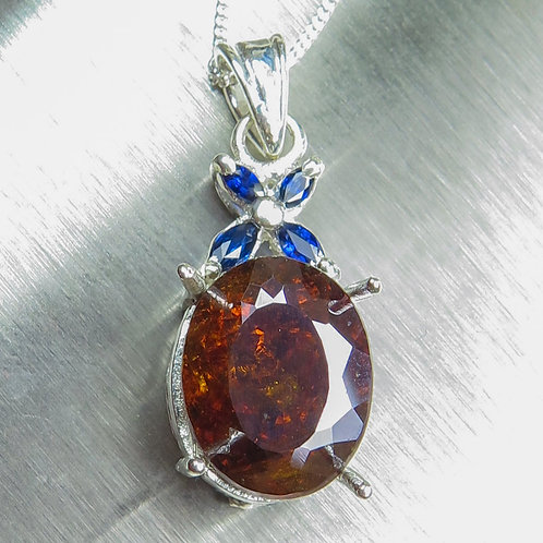 9.50cts Natural Sphalerite Silver / Gold / Platinum pendant on chain