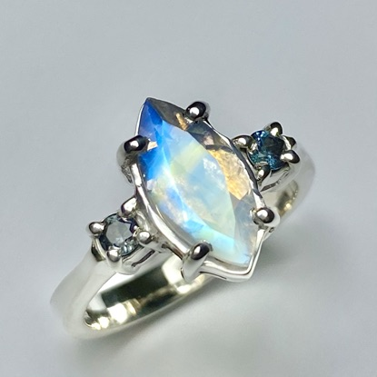 Moonstone & alexandrite ring