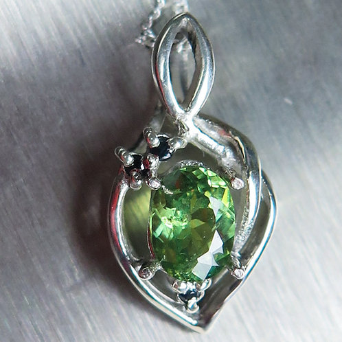 0.6cts Natural demantoid garnet 925 Silver / Gold / Platinum pendant