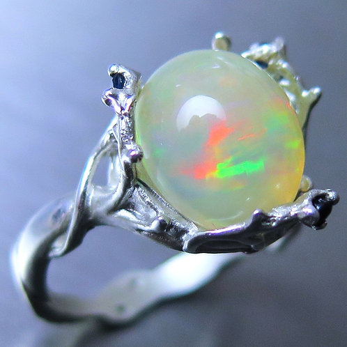 3.25cts Natural Aurora multi-colour Welo Opal Silver / Gold / Platinum r