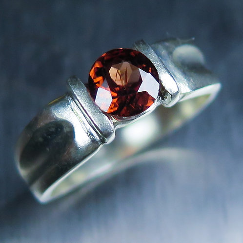 0.9ct Natural Red Pekoe Zircon 925 Silver / Gold/ Platinum ring