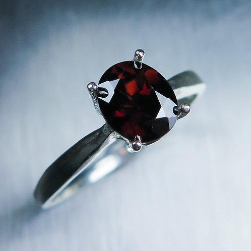 1.70cts Natural Dark Red Zircon 925 Silver / Gold/ Platinum ring
