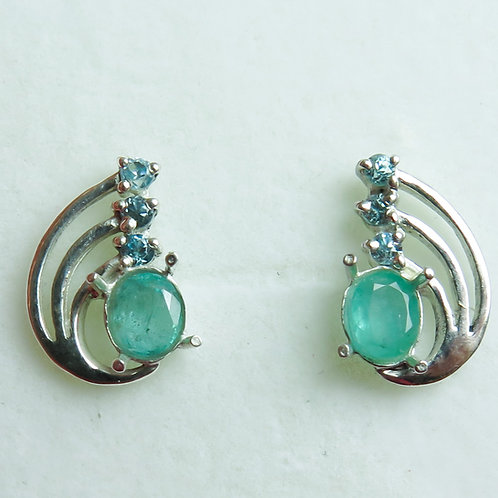 Natural Emerald Silver /Gold / Platinum stud ear