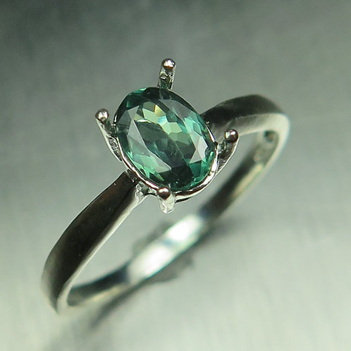 0.7ct Natural Alexandrite Colour Change 925 Silver / Gold/ Platinum ring