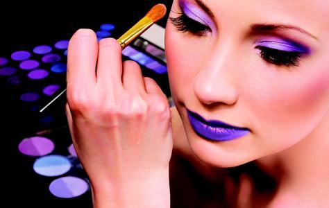 5 Ways to Speed Up Your MakeUp