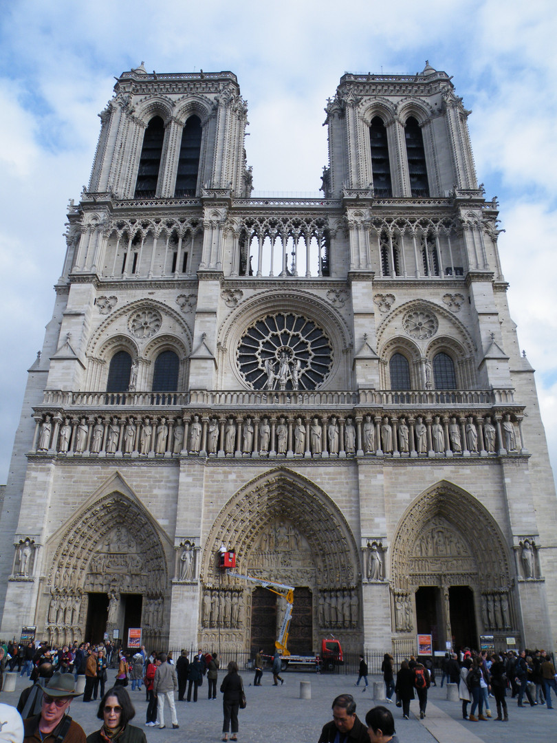 Basilique-Cathédrale Notre-Dame de Paris