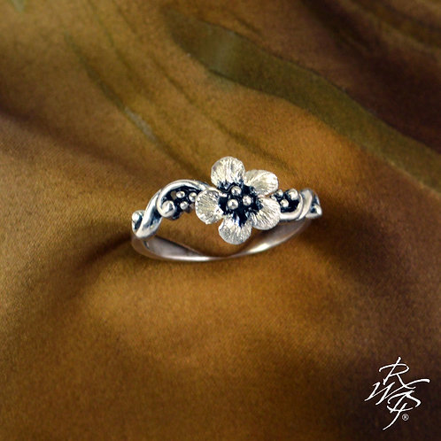 Forget-Me-Not Flower Ladies Ring