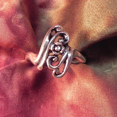 Signature Curl & Rose Ring