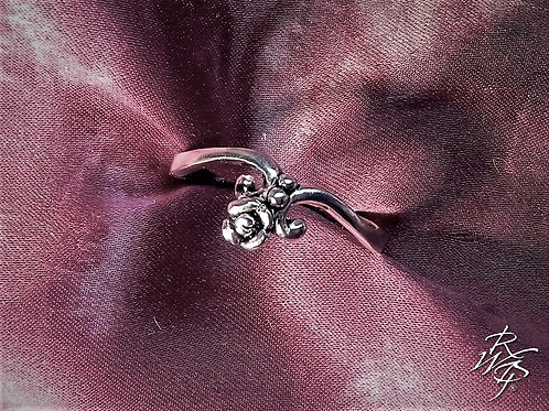 Tiny Rose & Curl Ring