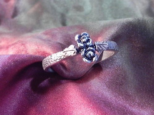 Two Rose & Black Hills Gold Leaves Ring