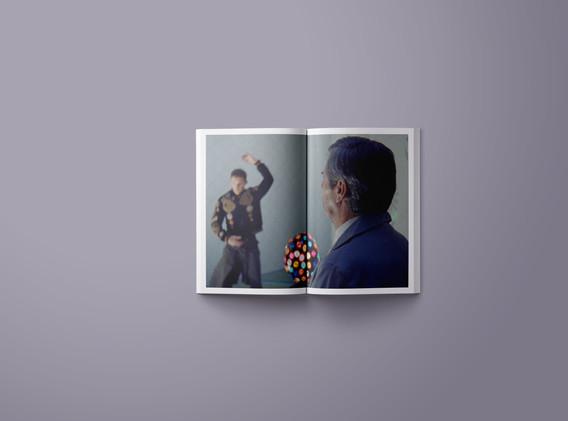 K-Gold Temporary Gallery, Always wear your best catalog, Albert Moya, Lesvos, 2019. Design: Bianca Otilia Ghiuzan