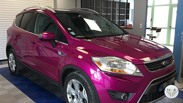 Total covering Ford Kuga Fushia