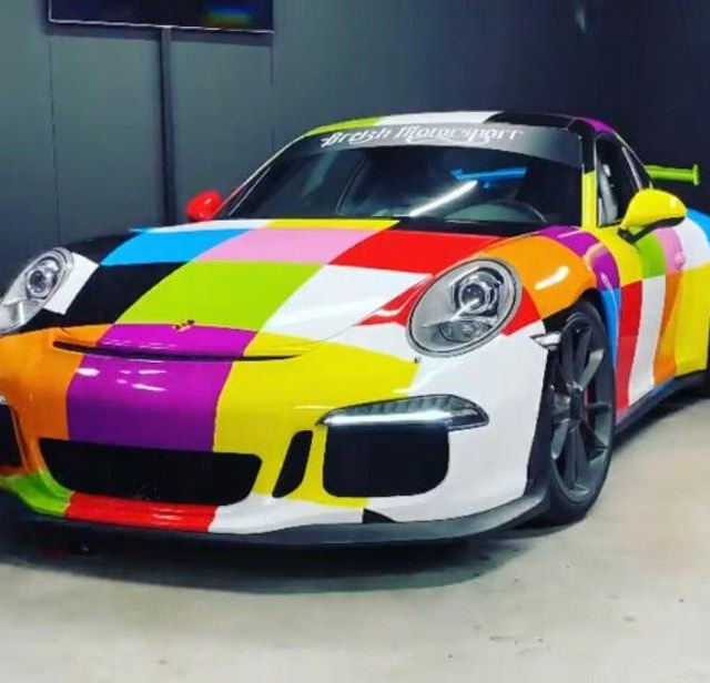 Total Covering Porsche 911 GT3