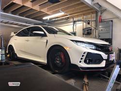 Honda Civic Type-R FK8 dyno