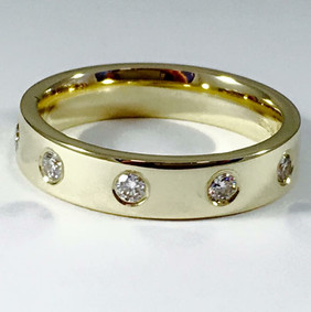 9ct gold and Diamonds