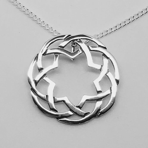 Sterling silver round Celtic pendant no 4