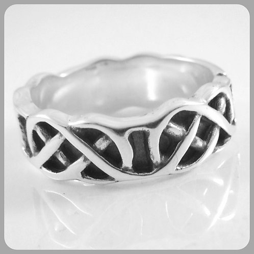 Celtic 4 knot ring