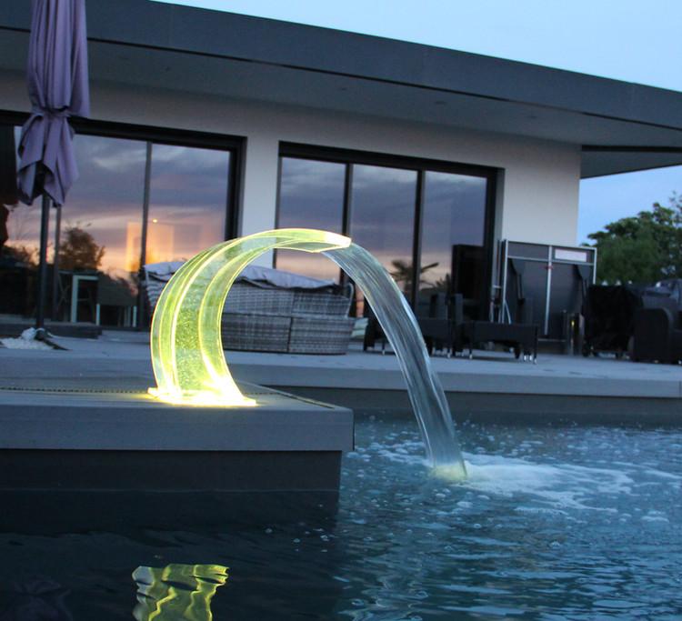 Cascade Cobra Acrylique LED Hauteur 44cm