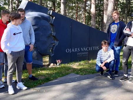 Jaunieši apmeklē O.Vācieša muzeju