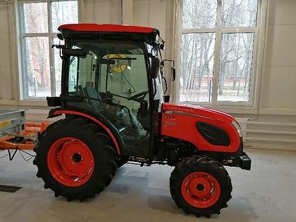 '813 traktors.jpg