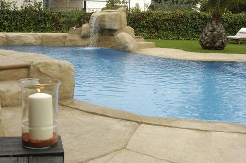 logo-306-piscina irregular [].jpg