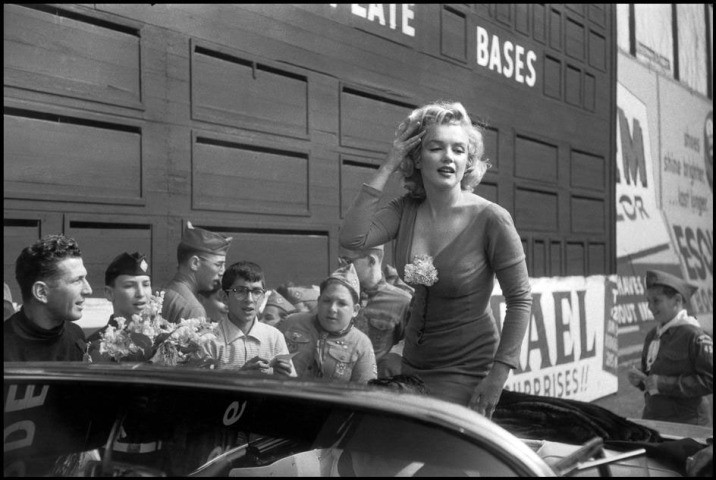 "Marilyn Monroe en el estreno de ""Some like it Hot"" - Bob Henriques. agencia Magnum"