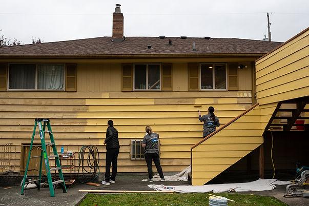 Home_Yellow_Volunteers.jpg