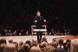 Eric Whitacre conducting .jpg