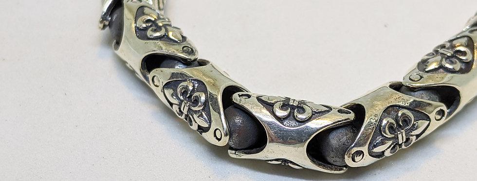 Fleur de lis Ball Bearing links bracelet