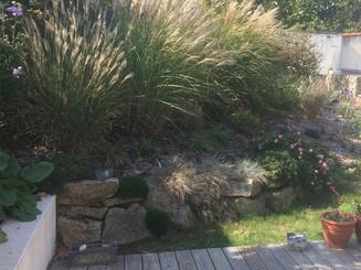 Terrasse, enrochement, végétalisation