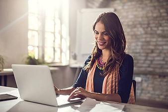Online-Course-Computer-Woman.jpg