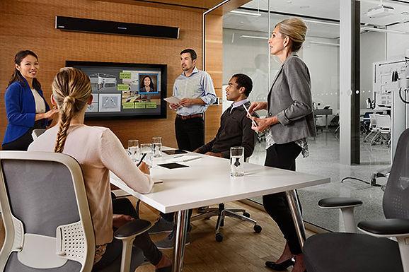S'équiper d'une barre de son pour salles de réunion
