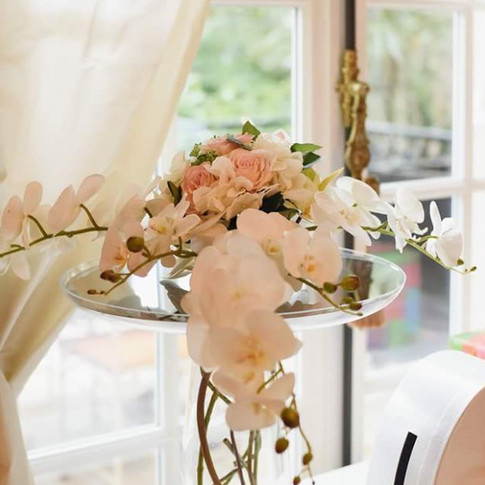 Composition florale en orchidée