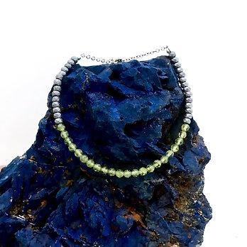 Diamond Cut Peridot and Faceted Hematite Adjustable Mini Gemstone Bracelet
