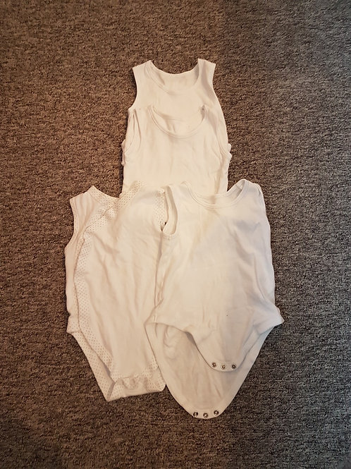 White unisex vests 12-18m