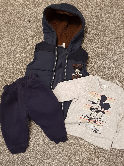 Disney outfit 6-9m - Joggers tshirt and body warmer